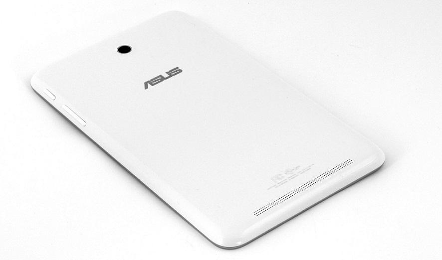 MeMO Pad HD8 có thiết kế khá giống với hầu hết các thiết kế khác thuộc dòng sản phẩm này